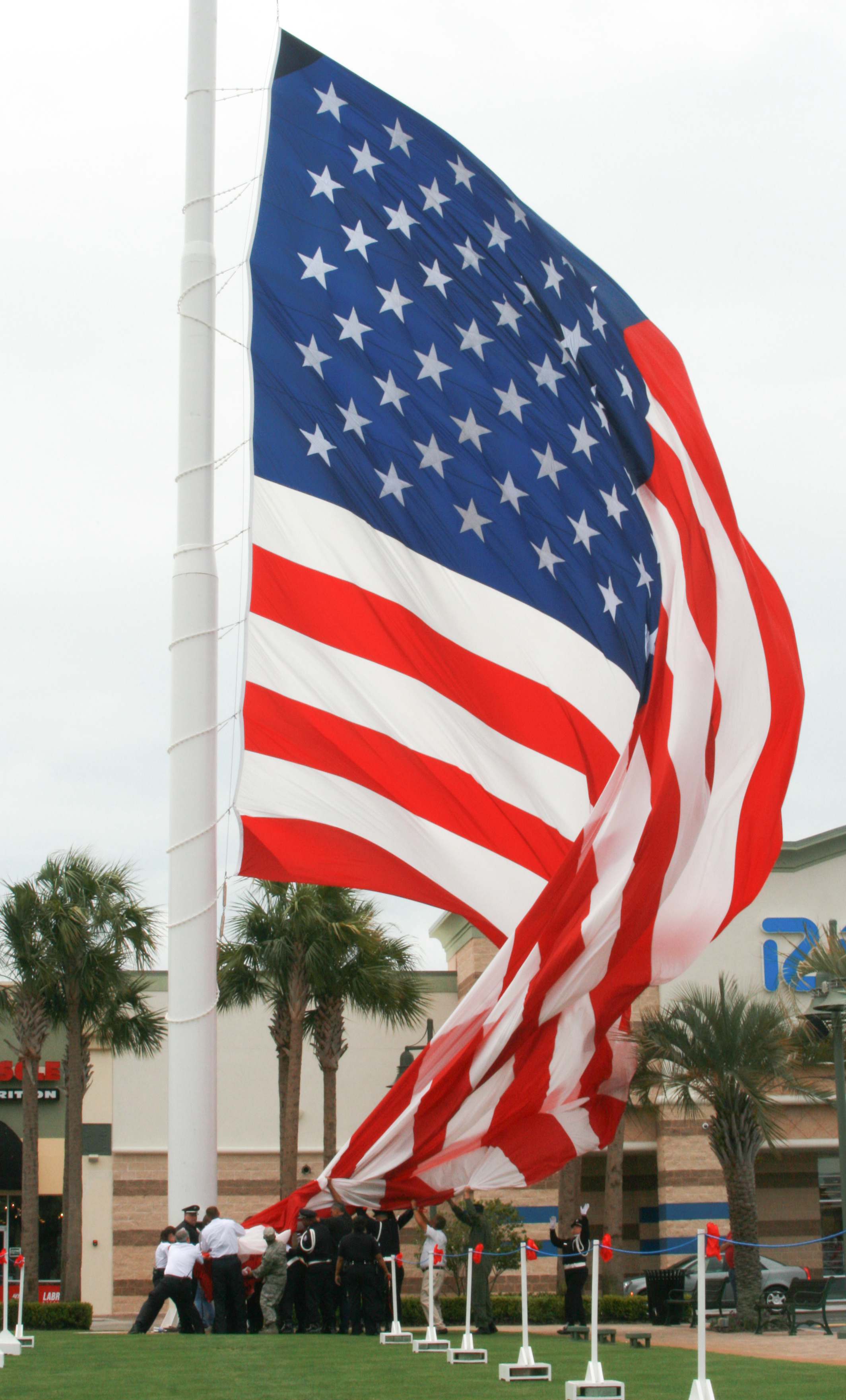 fort walton beach flag today
